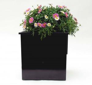 Kunststoffeinsatz mit Freilandpflanzen