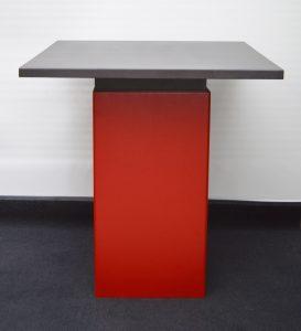 MM Box Tisch Element rot struktur mit Holzplatte schwarz